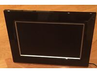 "LOGIK 8.5"" digital photo frame still in box never been used"