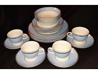 20 Piece Royal Doulton Dinner Set for 4 People