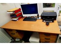 5 ft long Office desk used in very good condition
