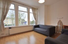 3 dbl bed flat near Muswell Hill Broadway, clean, spacious. Available 1 March 2018 - part furnished