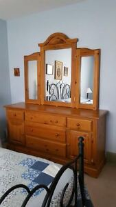 Solid Wood Country Style Dresser with Mirror
