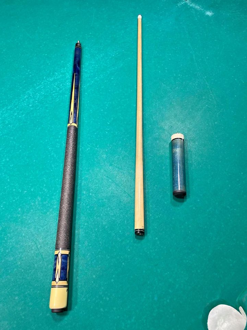 Snooker cue with extentions 3-piece