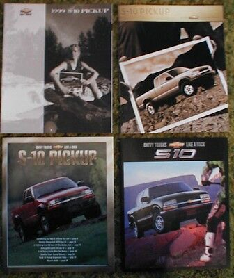 1999 2000 2001 2002 Chevy S-10 Pickup 4 Brochure lot (Chevy S10 2002)