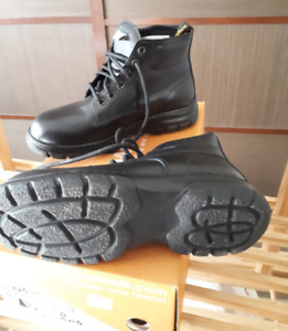 Ladies Safety shoes - new