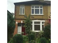 3 bedroom house in Maswell Park Road, Hounslow, TW3