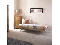 REN-38 : WOODEN TRUNDLE BED