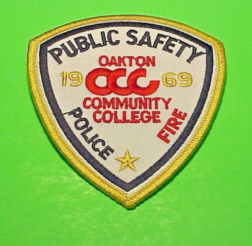 """OAKTON  ILLINOIS  1969 COMMUNITY COLLEGE  4 1/4""""  POLICE PATCH  FREE SHIPPING!!!"""