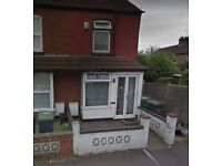 ** 3 BEDROOM HOUSE , AVAILABLE IMMEDIATELY, NEXT TO LEAGRAVE TRAIN STATION