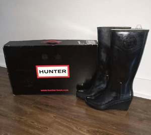 PRICE DROP!!! Hunter wedge Boots / Rain boots size 9