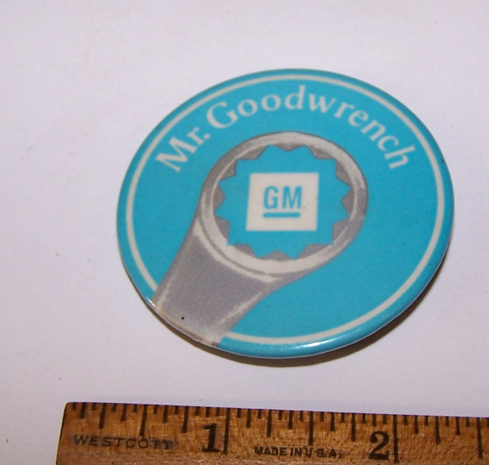 Vintage MR GOOD WRENCH General Motors GM Pinback Button
