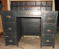 Beautiful 7 drawer desk with pigeon holes