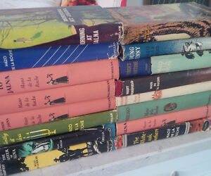 16 Book Set: Whiteoaks of Jalna Chronicles, Mazo de la Roche