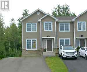 18 Lionel, Dieppe - Beautiful Townhouse