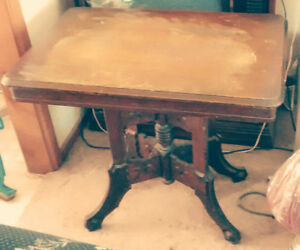 Antique table in excellent condition.