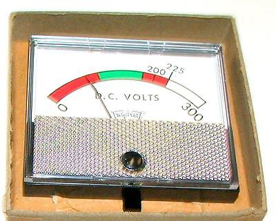 New Triplett 220-gs Panel Mount Dc Volt Meter 2 14 X 2 34