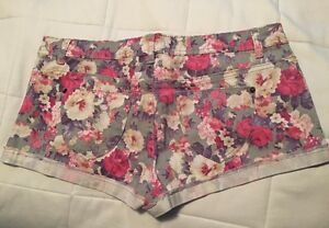 Ladies shorts in great condition  St. John's Newfoundland image 10