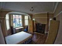 Spacious double room available end January, Couples are welcome ALL BILLS INCLUDED