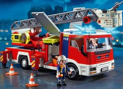 Playmobil 4820City Action Fire Engine with Ladder Unit, great condition