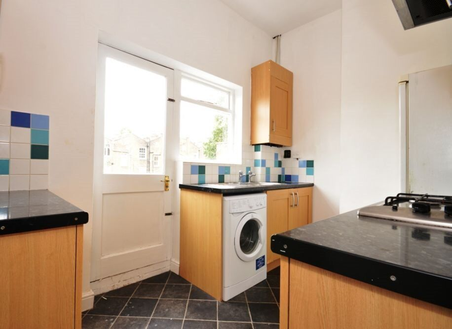 COMFORTING AND CHEAP 3 BEDROOM HOUSE IN HOLLOWAY ,MUST SEE ASAP!