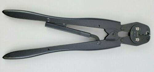 AMP 220045-2 Crimp Tool
