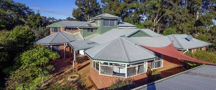 Pinjarra Massive House 3.5 acres in town by the river For Sale