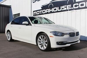 2013 BMW 3 Series 320i xDrive SPORT PACKAGE!