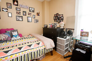 3 Bedroom Main Floor Unit - Available May 2017 for Students!! London Ontario image 5