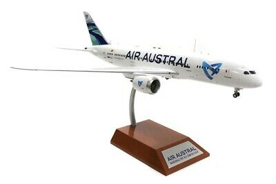 INFLIGHT 200 IF7870616 1/200 AIR AUSTRAL B787-8 DREAMLINER F-OLRC WITH STAND