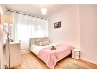 Spacious double bed in newly refurbished flat moments from Elephant & Castle! View NOW!