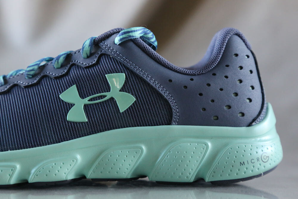 UNDER ARMOUR MICRO G  ASSERT 6 shoes for girls, NEW, US size (Youth) 4.5