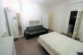Studio flat in Eversholt Street, Camden, London NW1