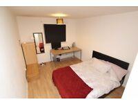 Double Bedroom - Glasgow City Centre (near Caledonian Uni, Strathclyde Uni, Buchanan Bus Station)