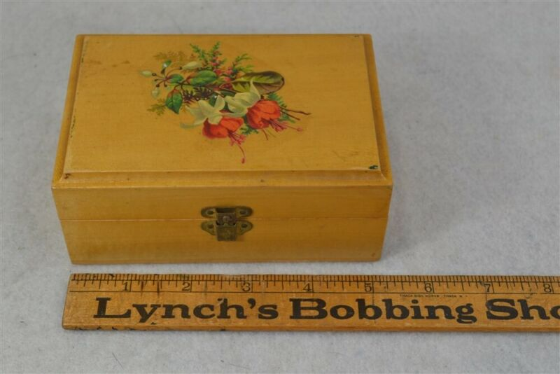 sewing thread box J&P Coats advertising mauchline scissor seam ripper antique