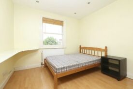 FABULOUS 2 BED 2 BATH! HEART OF KENTISH TOWN MOMENTS FROM THE STATION AVAIL NOW ONLY £360 PER WEEK