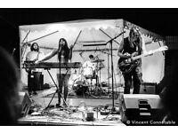 """Alt-rock London band """"Jingo"""" seeking keyboardist/pianist"""