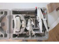 DJI phantom 4 controller + 4 Quick Release Propellers + Box & Case