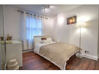 Fully furnished double room in fabulous Kennington town house with open plan living area!