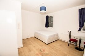 Studio apartment with large kitchen in Holloway Rd , Islington, N7 Ref: 826