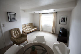 Top floor, 2 bedroom flat, Westbourne Terrace, 3 minutes from Paddington & Hyde Park. Quiet & light.