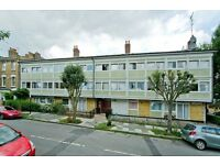 3 bedroom flat in Woodsome Road, Dartmouth Park NW5