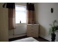 Double Room for a couple or one person In Walthamstow. Bathroom and Kitchen Shared with one room.