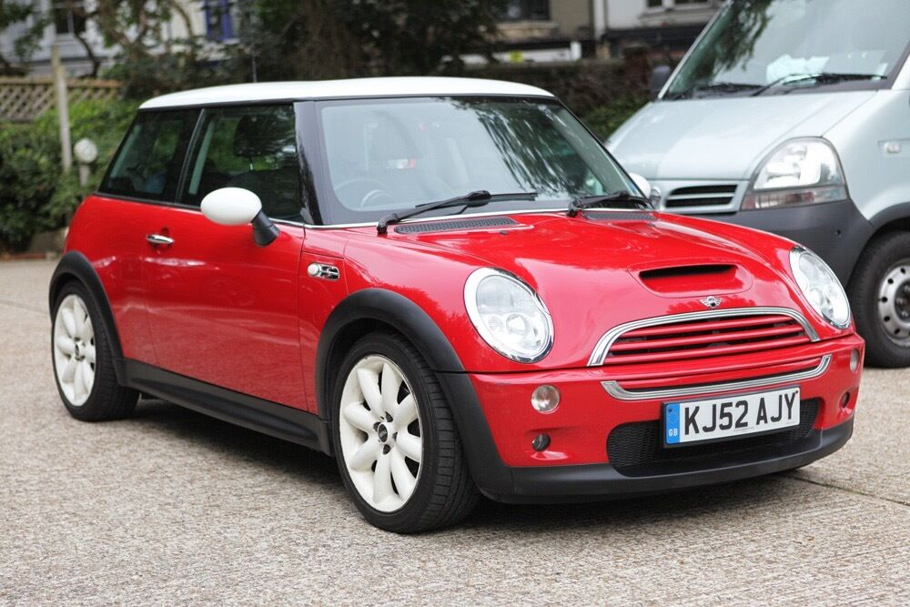 mini cooper s r53 2002 chilli red with white roof wheels glass pano roof xenons 92k miles. Black Bedroom Furniture Sets. Home Design Ideas