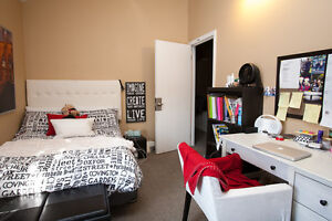 STUDENTS! 6 BEDROOMS, NO MORE CABS!!! THE BEST LOCATION!! London Ontario image 10