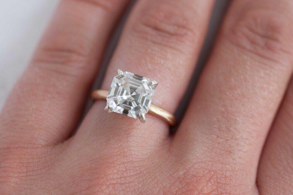 2.00 Ct. Asscher Cut Diamond Solitaire Engagement Ring GIA Certified F,VS1 18K