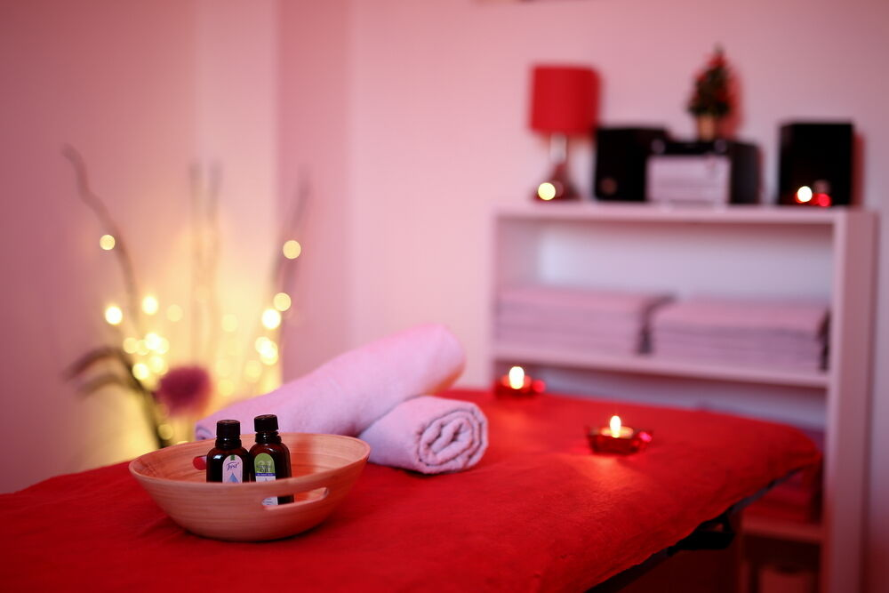 Professional Relaxing Massage by Kendra! | in Mile End, London | Gumtree