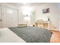 Amazing extra- large double room available! Call today to view!