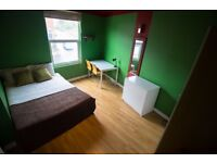 Specious Double Room Available in a friendly professional houseshare in Beeston