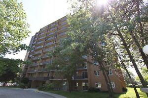 Royal Oak Towers - Berkshire Apartment for Rent Sarnia Sarnia Area image 1