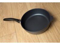 Swiss Diamond 28cm Saute Pan, Excellent condition, ultimate in non-stick