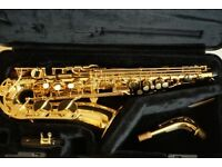 For Sale Alto Sax Yamaha YAS275, hard case, with metal stand